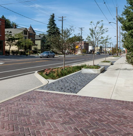 Fleet Avenue, Cleveland OH <br> Product: Courtstone®, Copthorne® Color: Basalt, Burgundy Red/Burnt Clay/Old Oak