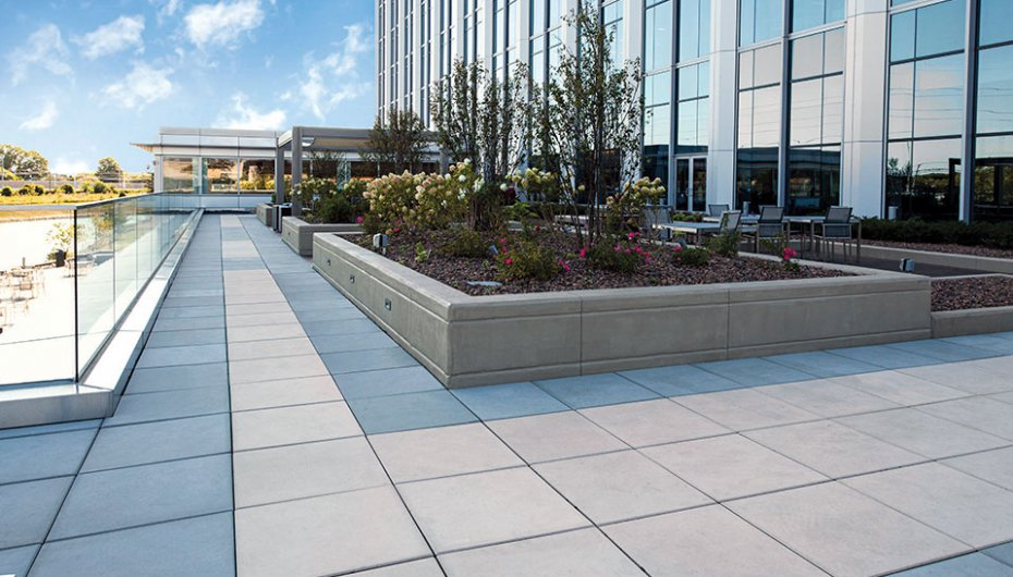 Office Building in Chicago, IL <br> Product: Skyline™