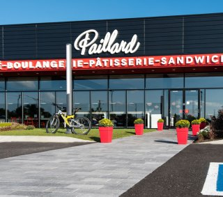 Boulangerie Paillard, QC Product: Artline™ with Umbriano® finish Color: Midnight Sky