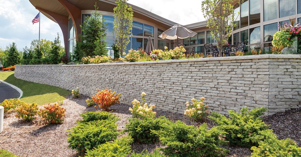 Ursuline College, Pepper Pike, OH<br>Product: Rivercrest® Wall with Ledgestone™ Coping in Buff