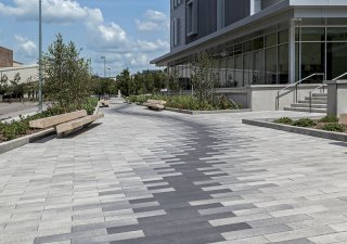 Michigan State UniversityCollege of Human Medicine, Grand Rapids Research Center <br> Products: Promenade™ Plank Paver