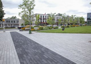 Hudson Lights in Fort Lee, NJ <br> Products: Promenade™ Plank Paver and Series™ finish