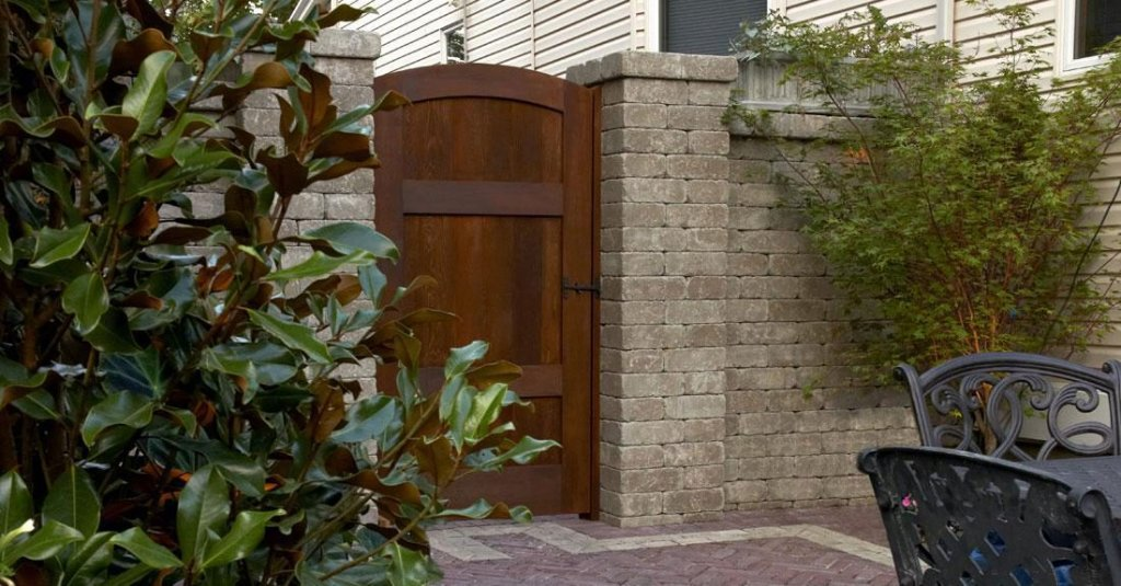 Product: Brussels Dimensional Stone® Color: Sandstone