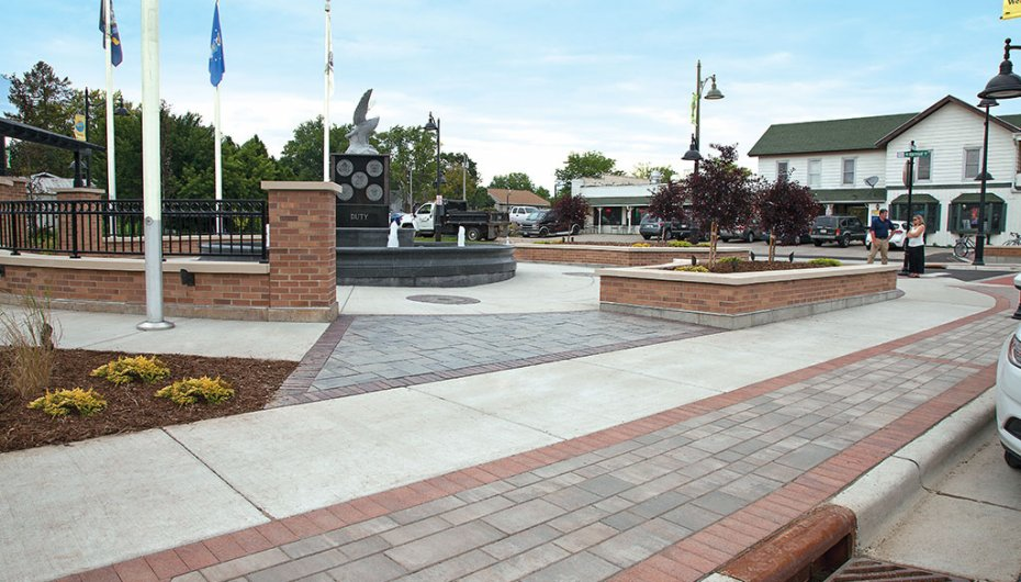 South Main Street in Verona, WI <br> Products: Il Campo® &amp; Artline™ Color: Heritage Brown, Bavarian