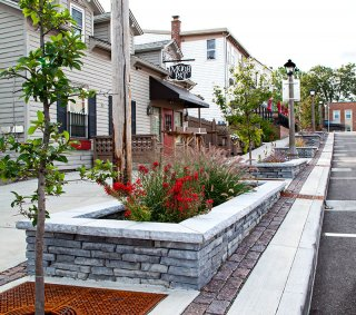 Town of Williamsville, NY <br> Products: Rivercrest® Wall & Town Hall®