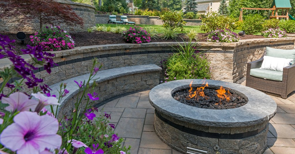 Retaining Wall, Seat Wall & Fire Pit at Private Residence in New England<br>Product: Estate Wall