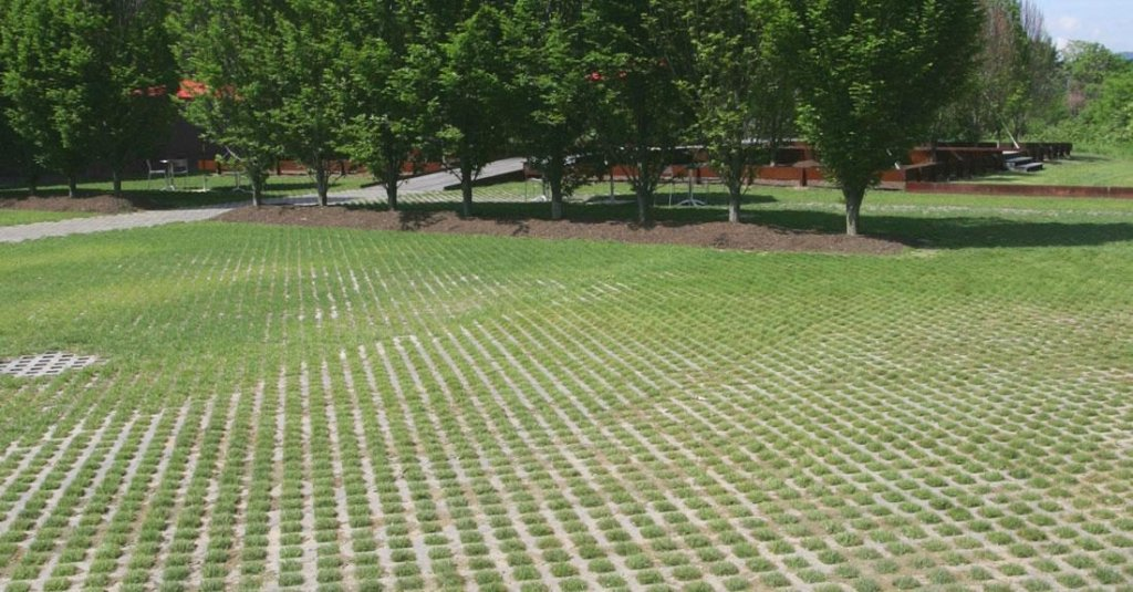 Product: Turfstone™ Color: Natural
