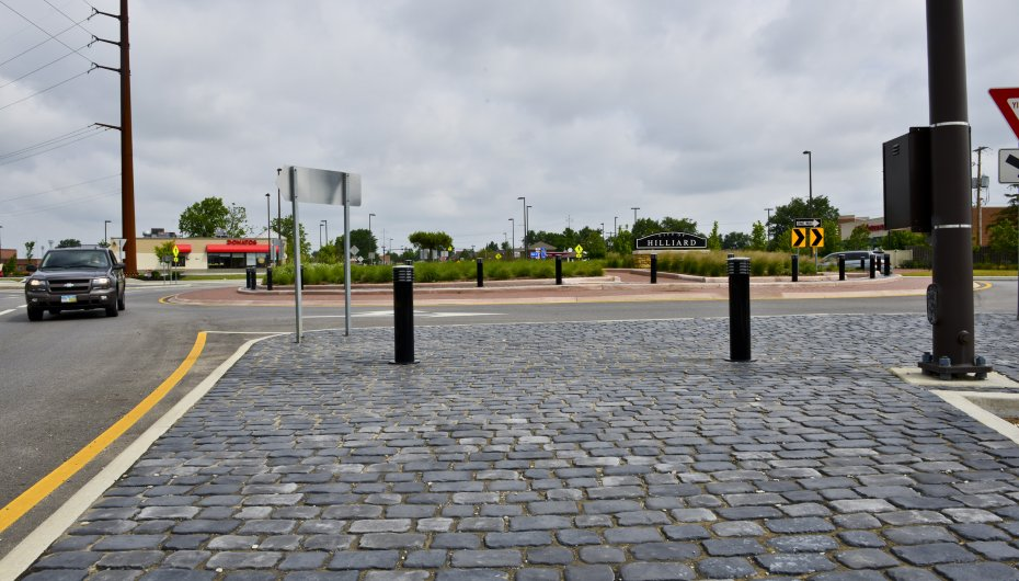 Hilliard Roundabout, Columbus Ohio <br> Product: Courtstone® Color: Basalt, Belgian Blue